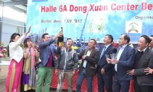Album: Lễ cất nóc Halle 6A tại TTTM Đồng Xuân Berlin  (27.9.2017) – Ảnh Đoàn Văn Thành và Hội PN ĐX