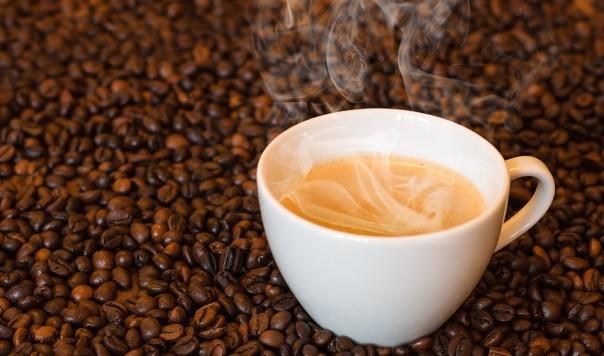 UỐNG CAFE: 3 CỐC THÌ TỐT, 4 CỐC THÌ HẠI, AI NÊN TRÁNH XA?