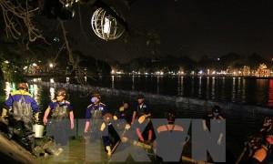HÀ NỘI: Chi 30 tỷ đồng nạo vét bùn đất làm sạch Hồ Gươm