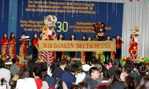 ALBUM: CỘNG ĐỒNG NGƯỜI VIỆT TẠI BRANDENBURG NÓI LỜI CẢM ƠN QUA PHÓNG SỰ ẢNH - Quang Chí, Berlin