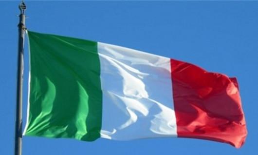 NHIỀU Ô TÔ LAO TỪ ĐỘ CAO 90M DO BÃO LỚN SẬP CẦU CAO TỐC TẠI ITALY