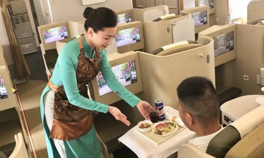 VIETNAM AIRLINER TIẾP TỤC CHINH PHỤC HÀNH KHÁCH BẰNG BỨC TRANH ẨM THỰC NHIỀU MÀU SẮC