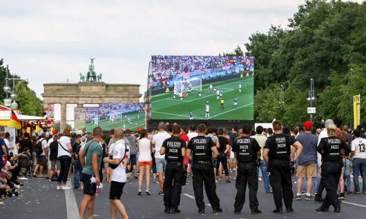 ĐỘI ĐỨC VẤT VẢ GIÀNH CHIẾN THẮNG ĐẦU SAU THẢM HỌA WORLD CUP 2018
