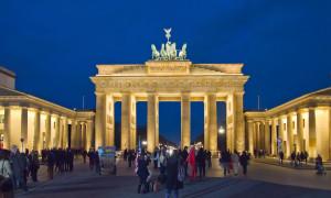 ĐỨC: TỶ LỆ ỦNG HỘ LIÊN MINH CDU/CSU & SPD XUỐNG MỨC THẤP KỶ LỤC