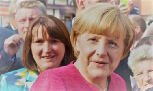 NHÓM  BẢO THỦ ĐẢNG LIÊN MINH CDU & CSU MUỐN BÀ MERKEL TỪ CHỨC
