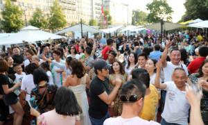 LƯU LUYẾN CHIA TAY FESTIVANL BIER QT 23, CHÚC MỪNG NGHỆ SĨ HÙNG ´RÂU´ CT ASIA SKY TOURS TEAM