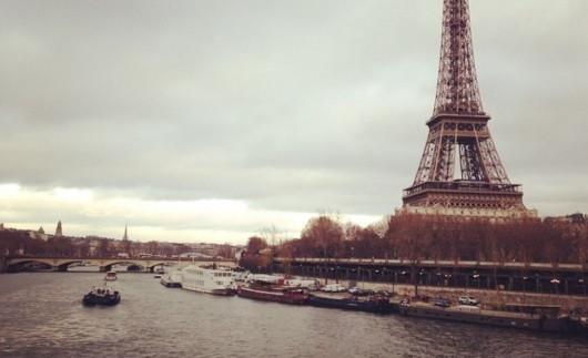 BÙNG PHÁT NẠN MÓC TỦI Ở PARIS