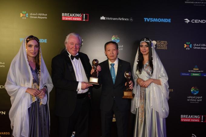 VIETNAM AIRLINES NHẬN HAI GIẢI THƯỞNG LỚN TẠI WORLD TRAVEL AWARDS 2019