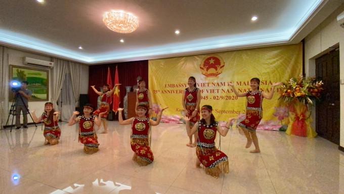 LỄ KỶ NIỆM 75 NĂM NGÀY QUỐC KHÁNH NƯỚC VIỆT NAM TẠI MALAYSIA