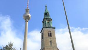 BERLIN XÂY DỰNG 6 TRUNG TÂM — SẴN SÀNG CHO VIỆC TIÊM CHỦNG CHỐNG CORONA