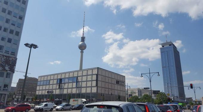 CÔNG BỐ LUẬT CORONA MỚI TẠI BERLIN 4.3.2021