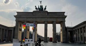 BERLIN KÉO DÀI PHONG TỎA ĐẾN 9.5